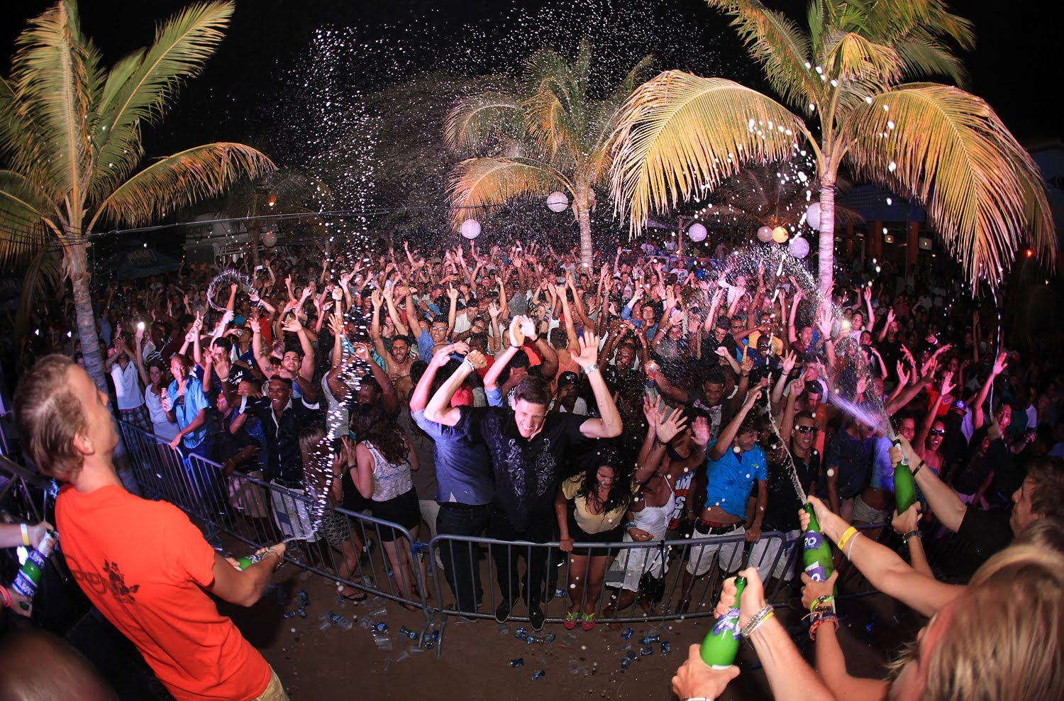 Full Moon Party bij Kokomo Beach